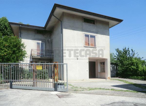 Villa in vendita a Vicenza, 10 locali, prezzo € 243.000 | Cambio Casa.it