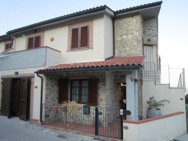 Rustico / Casale in vendita a Casole d'Elsa, 4 locali, prezzo € 170.000 | Cambio Casa.it