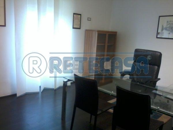 Ufficio / Studio in affitto a Perugia, 1 locali, prezzo € 450 | Cambio Casa.it