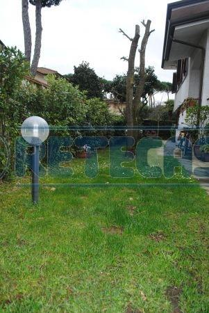 Soluzione Indipendente in vendita a Pietrasanta, 6 locali, prezzo € 750.000 | Cambio Casa.it