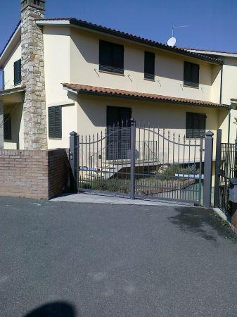 Villa in vendita a Casole d'Elsa, 8 locali, prezzo € 680.000 | Cambio Casa.it