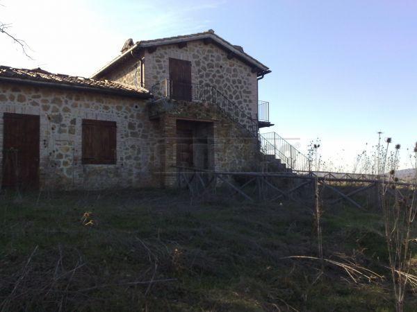 Rustico / Casale in Vendita a Chiusdino