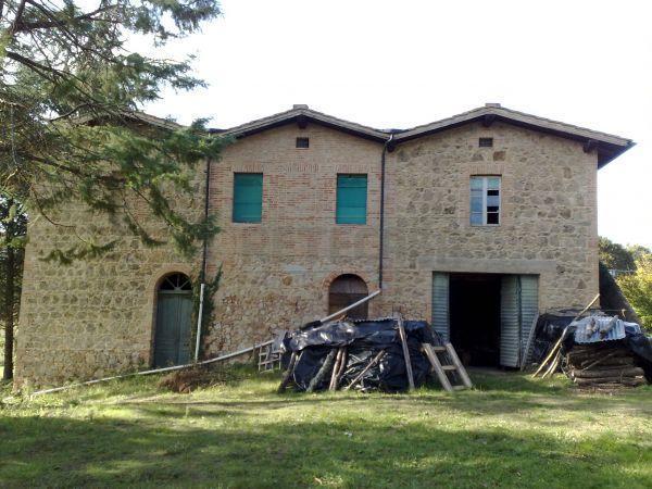 Rustico / Casale in vendita a Monticiano, 15 locali, prezzo € 400.000 | Cambio Casa.it
