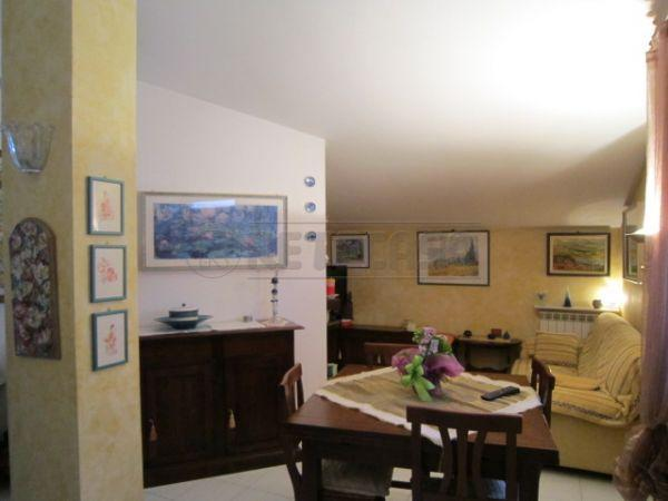 Attico / Mansarda in vendita a Castelnuovo Berardenga, 3 locali, prezzo € 225.000   Cambio Casa.it