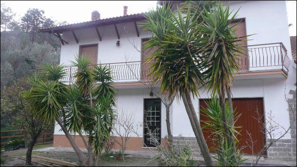 Soluzione Indipendente in vendita a Casarza Ligure, 7 locali, Trattative riservate | Cambiocasa.it