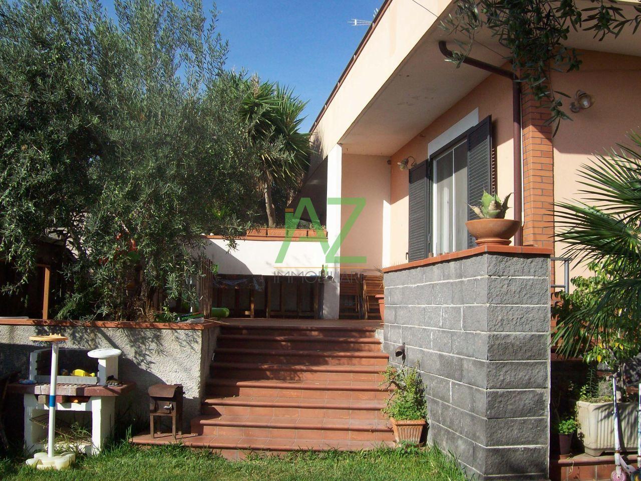 Villa in vendita a Misterbianco, 5 locali, prezzo € 280.000 | Cambio Casa.it