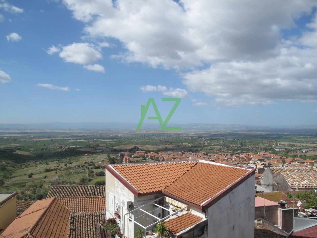 Soluzione Indipendente in vendita a Motta Sant'Anastasia, 9999 locali, prezzo € 42.000 | Cambio Casa.it