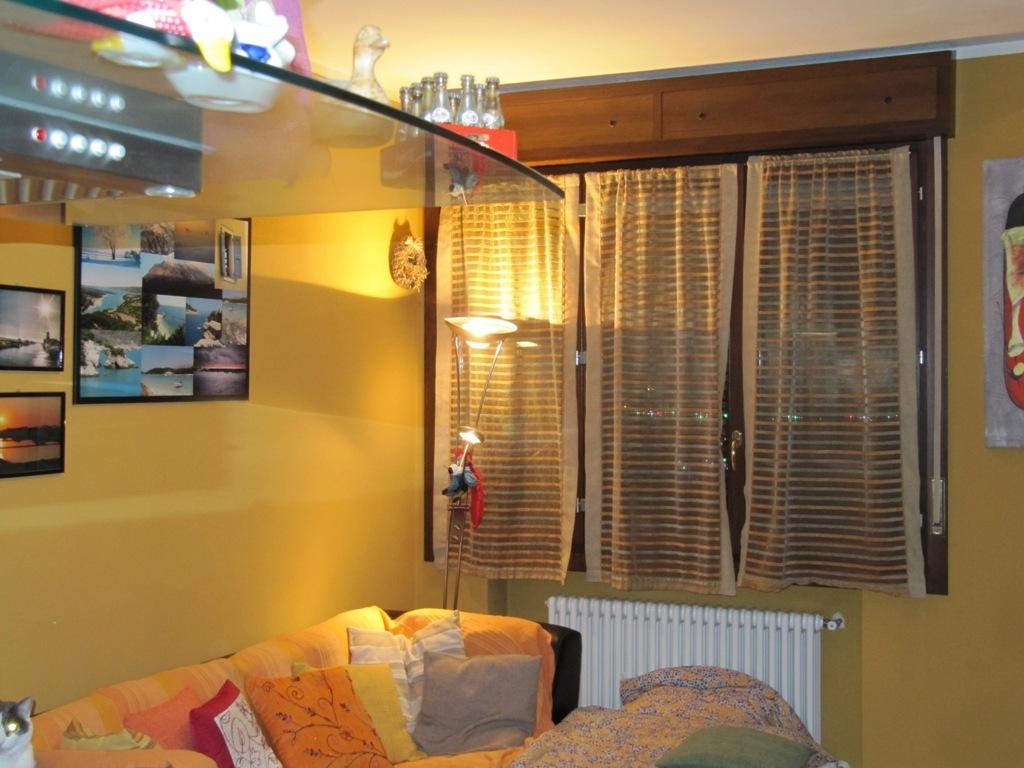 Appartamento in vendita a Traversetolo, 2 locali, prezzo € 75.000 | Cambio Casa.it