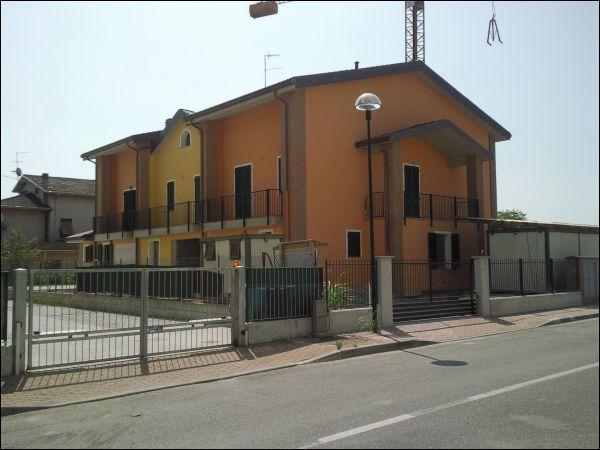 Villa a Schiera in Vendita a Torrile