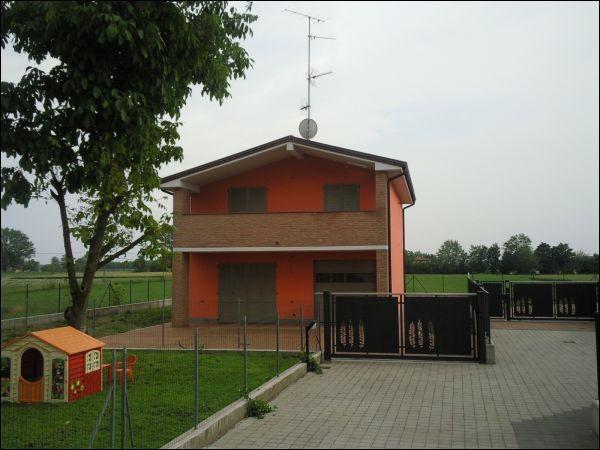 Villa in vendita a Mezzani, 4 locali, prezzo € 250.000 | Cambio Casa.it