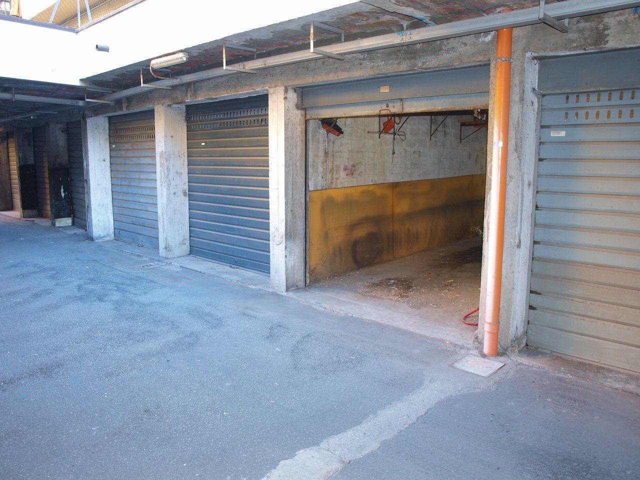 Garage posti auto a casalecchio di reno for Progettista di garage online