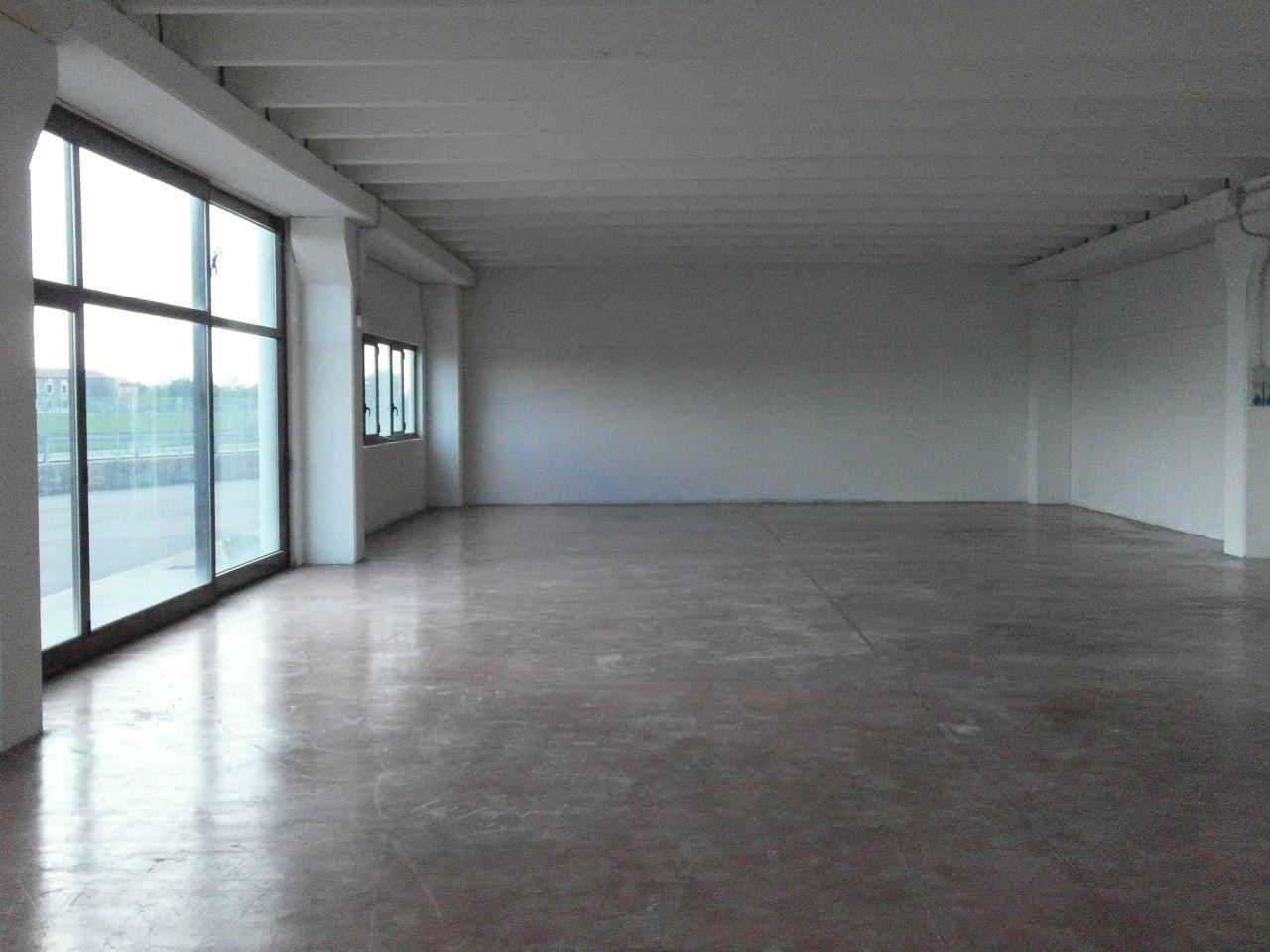 Capannone in affitto a Pressana, 1 locali, prezzo € 1.330 | CambioCasa.it