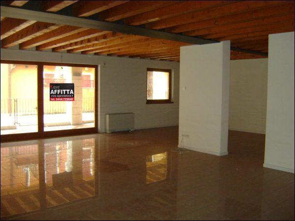 Negozio / Locale in affitto a Lonigo, 1 locali, prezzo € 800 | Cambio Casa.it