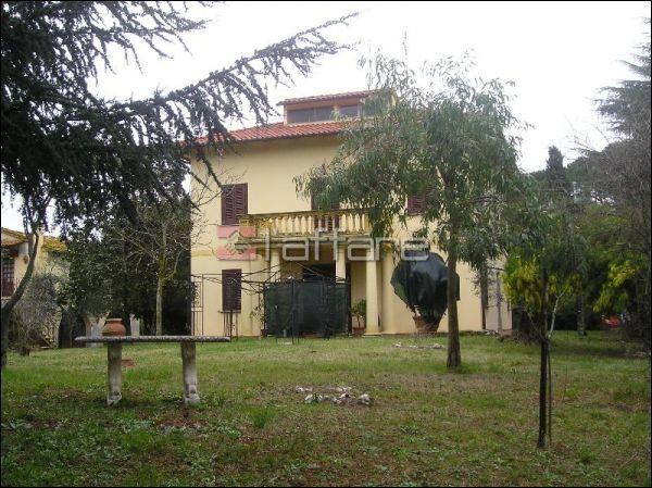 Villa in Vendita a Terricciola