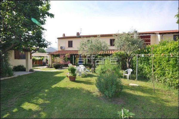 Rustico / Casale in vendita a Viareggio, 7 locali, prezzo € 500.000 | Cambio Casa.it
