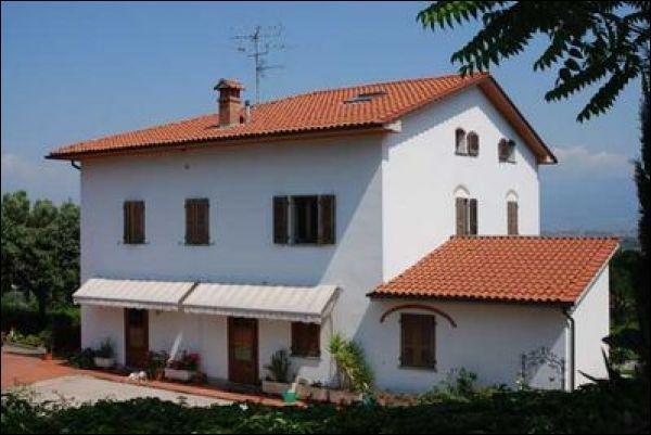 Villa in vendita a Quarrata, 9999 locali, Trattative riservate | Cambiocasa.it