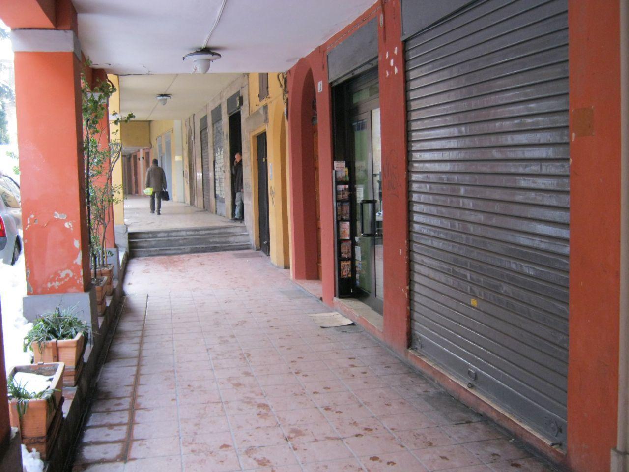 Locale commerciale in affitto bologna malpighi collegio di - Immobiliare spagna ...
