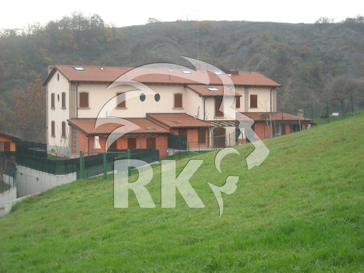 Indipendente trifamiliare in affitto bologna colli paderno - Affitto casa con giardino ...