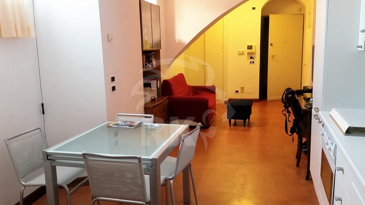 Appartamento mansarda in affitto bologna centro storico - Affitto casa amsterdam centro ...