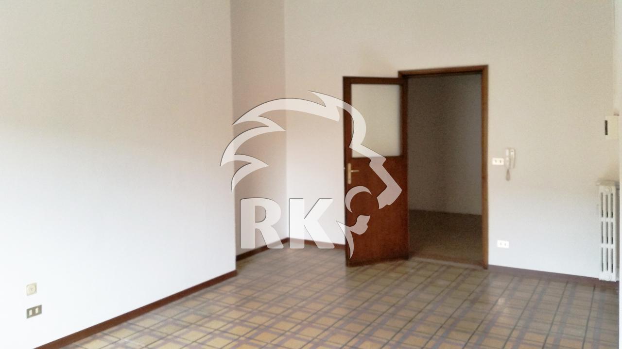 Ufficio ufficio operativo in affitto bologna centro for Affitto ufficio