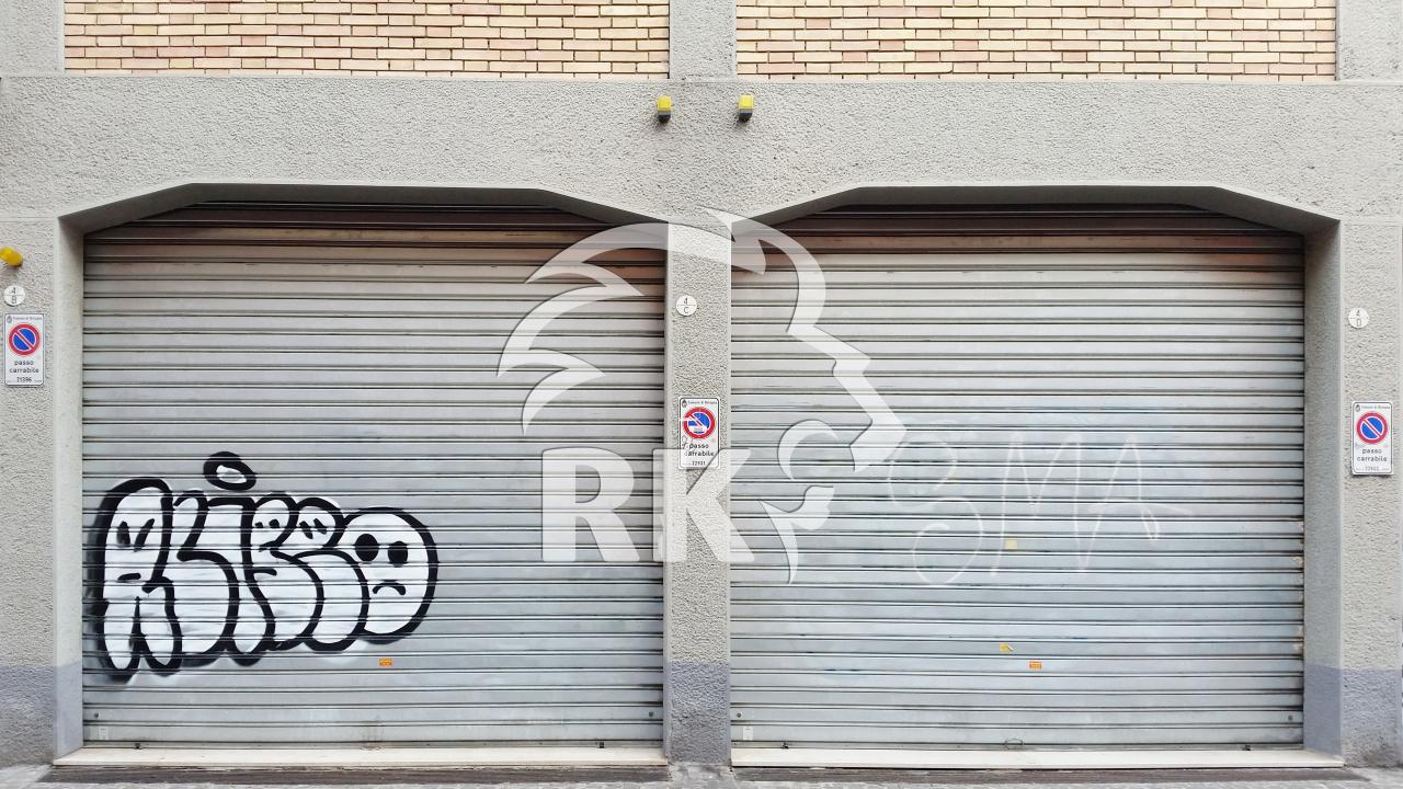 Garage posto auto doppio in vendita bologna centro - Dimensioni garage doppio ...