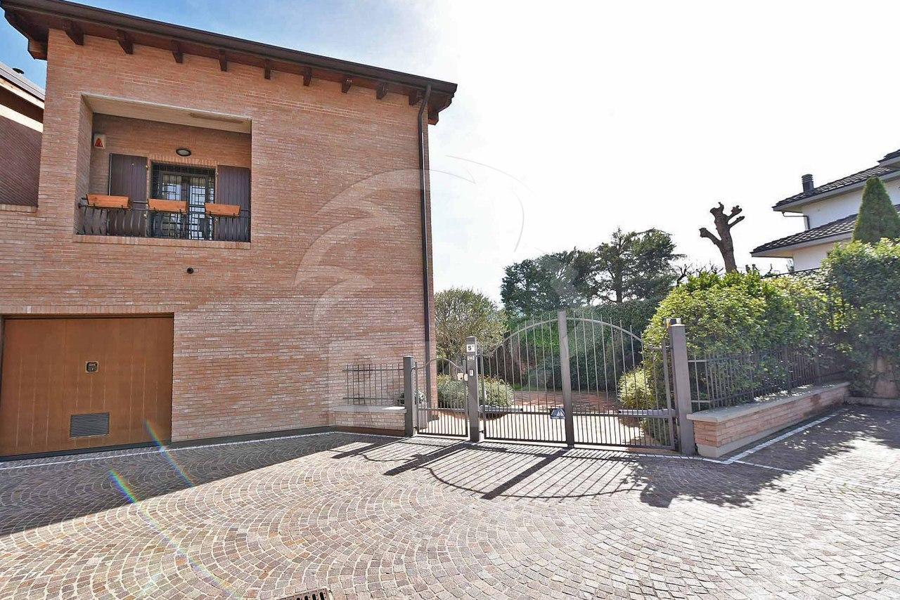 Villa bifamiliare in vendita zola predosa annunci vendita for Case in vendita zola predosa