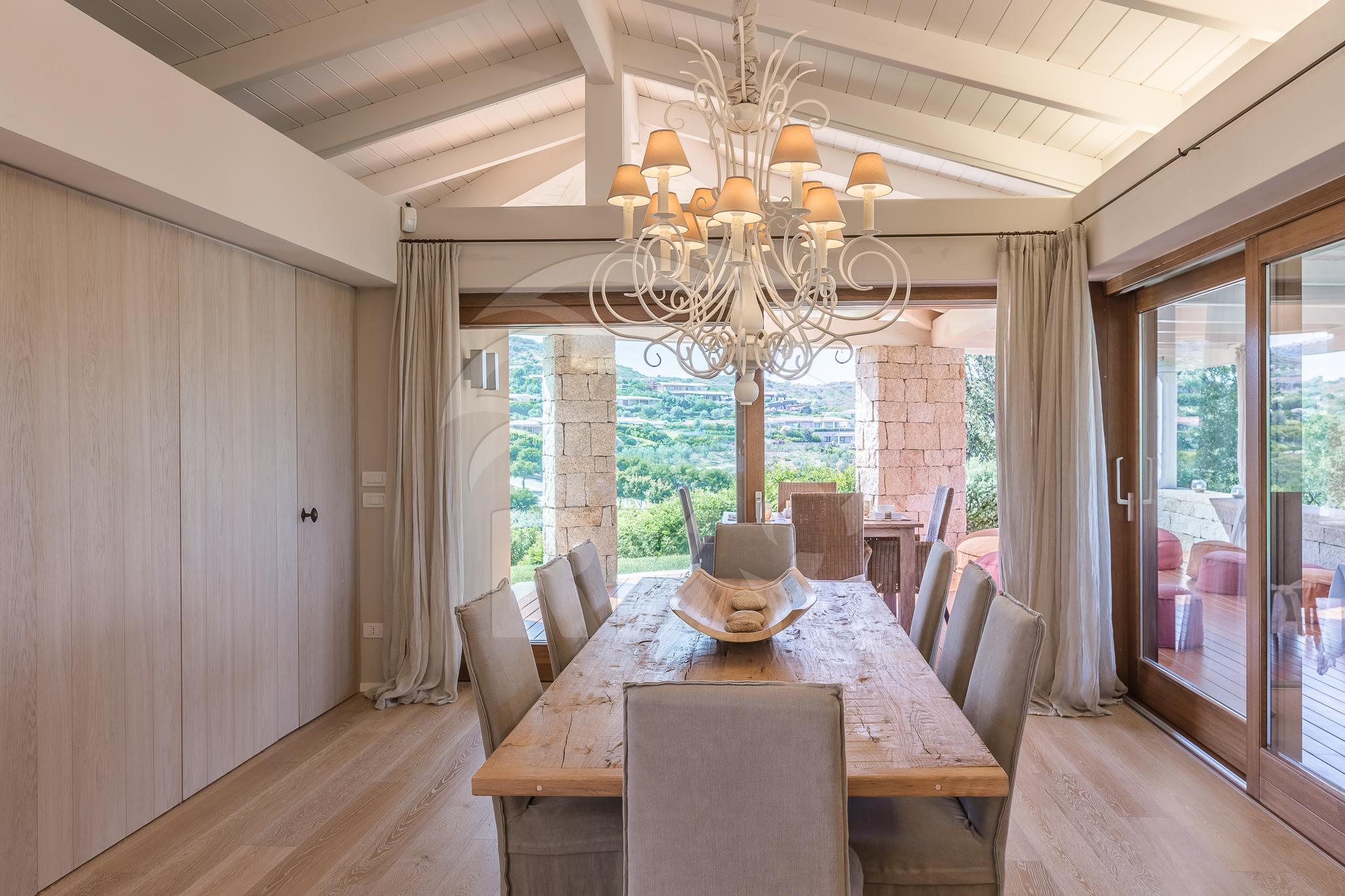 Villa villino in vendita san teodoro punta aldia annunci for Vendita case a san teodoro