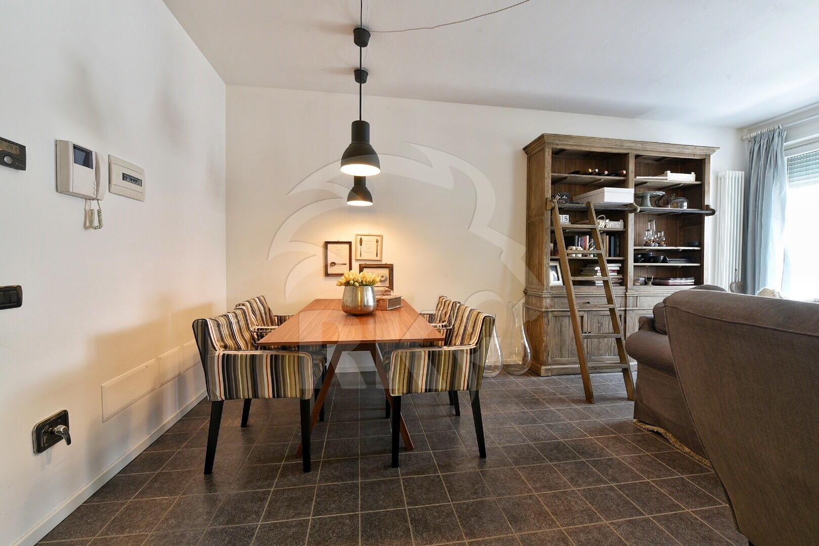 Ufficio Open Space Bologna : Appartamento open space in affitto bologna santa viola via emilia