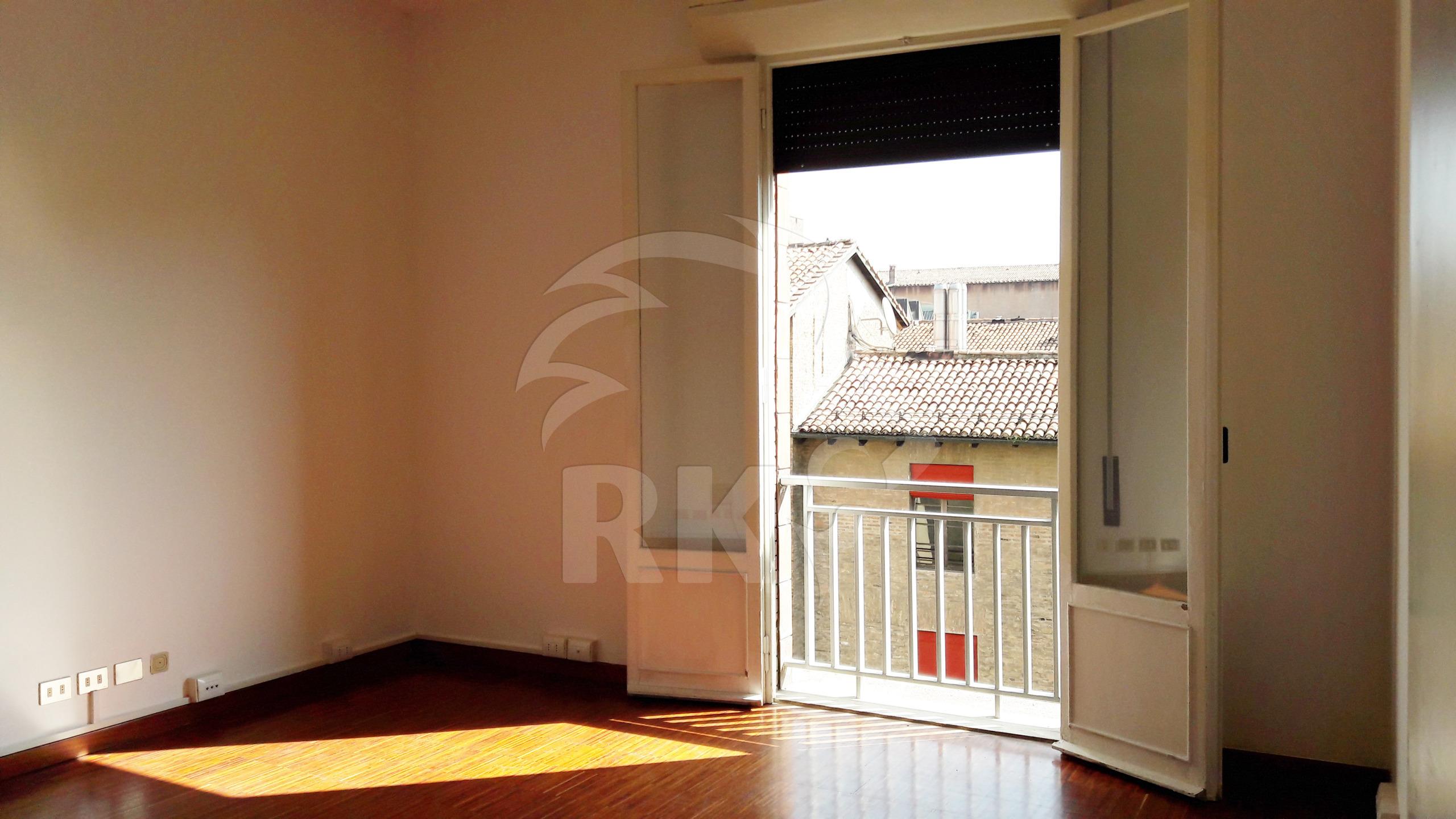Ufficio in affitto bologna centro storico piazza maggiore for Affitto ufficio