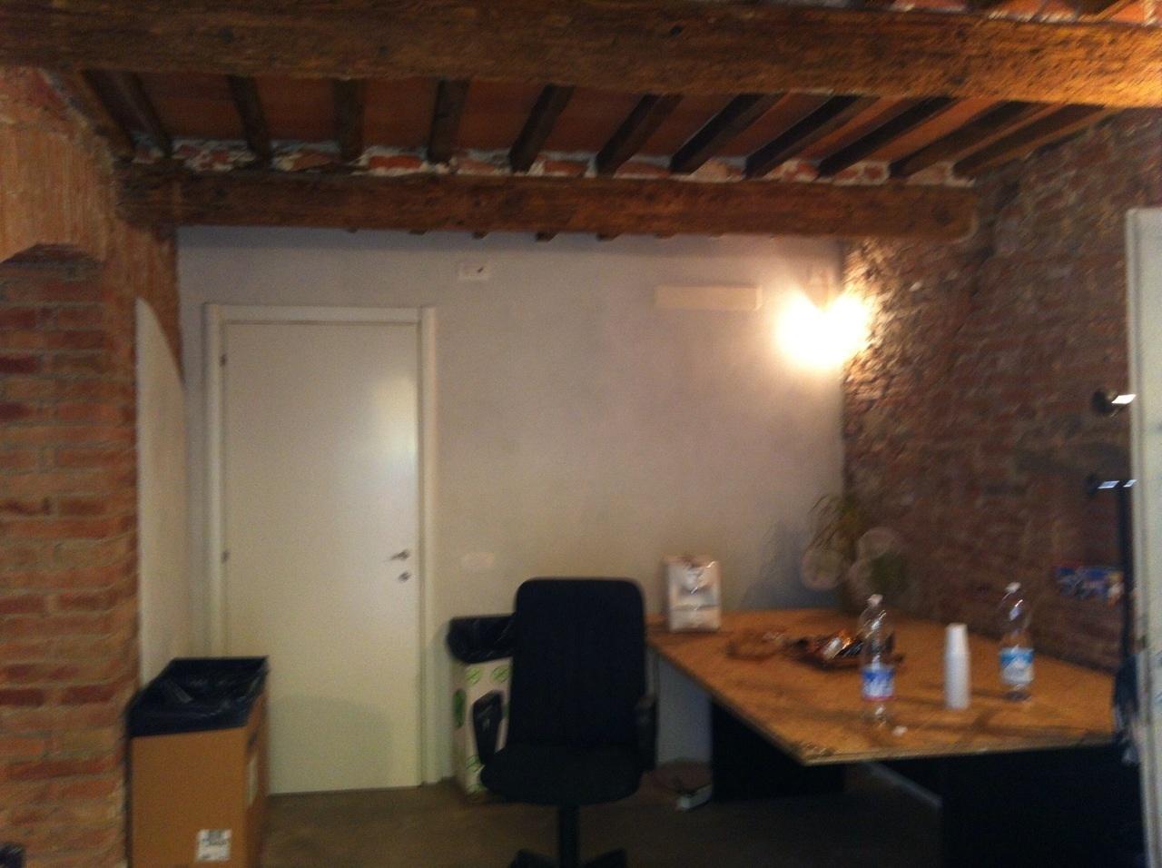 Capannone in affitto a Calcinaia, 1 locali, prezzo € 500 | CambioCasa.it