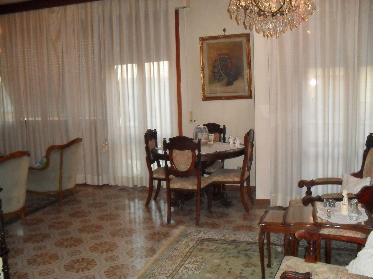 Villa in vendita a Pontedera, 10 locali, Trattative riservate | Cambio Casa.it