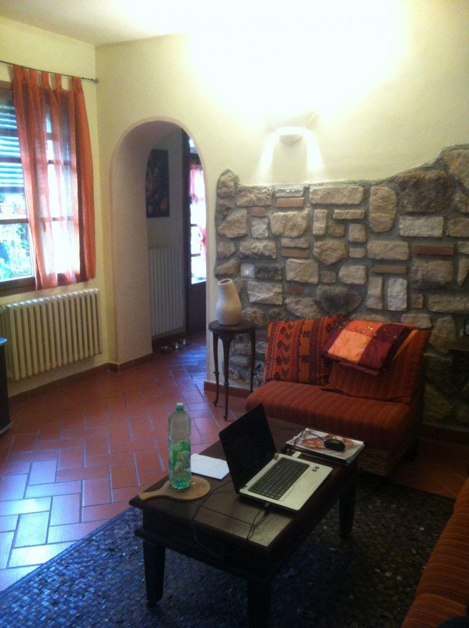 Villa in vendita a Buti, 8 locali, prezzo € 260.000 | CambioCasa.it