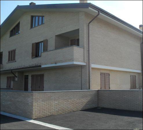 Soluzione Indipendente in vendita a Pontedera, 5 locali, prezzo € 420.000 | Cambio Casa.it