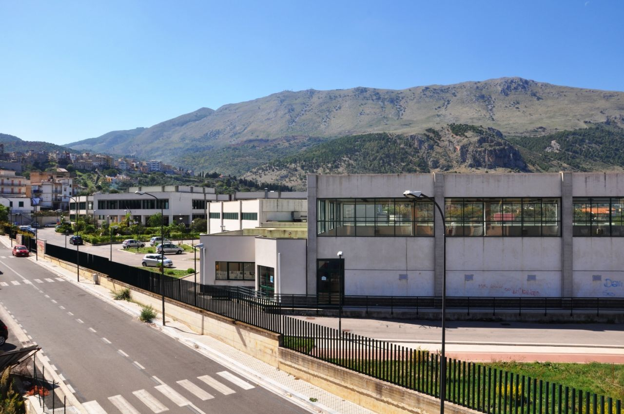 Vista lato Monte - Scuola Superiore Mursia