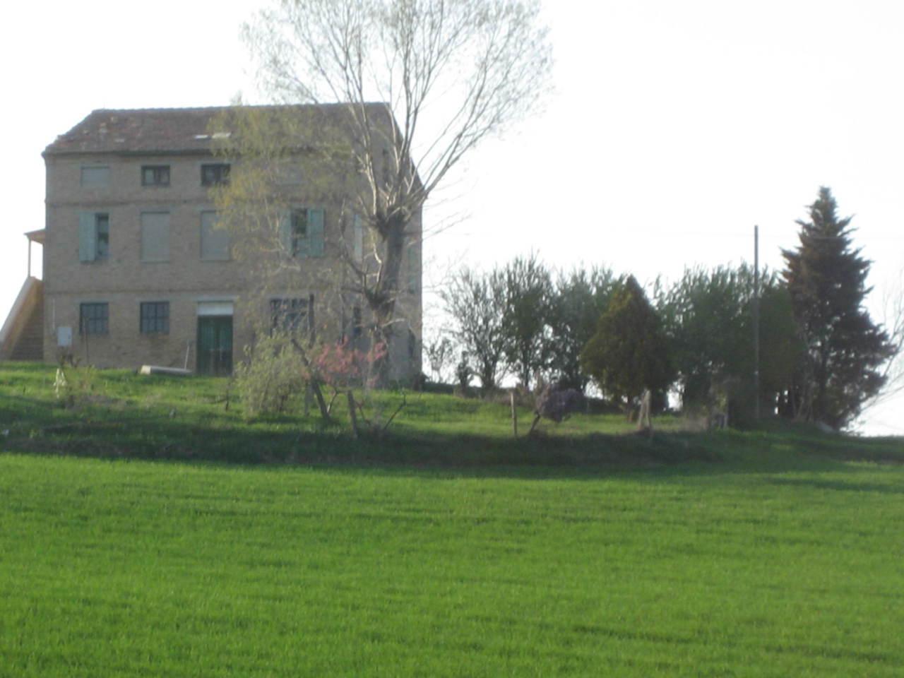Rustico / Casale in vendita a Treia, 10 locali, prezzo € 650.000 | Cambio Casa.it
