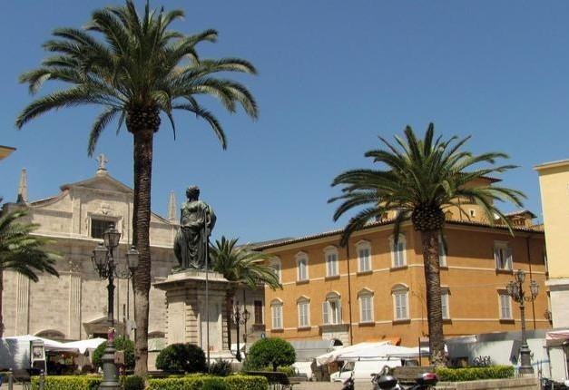 piazza Roma.jpg