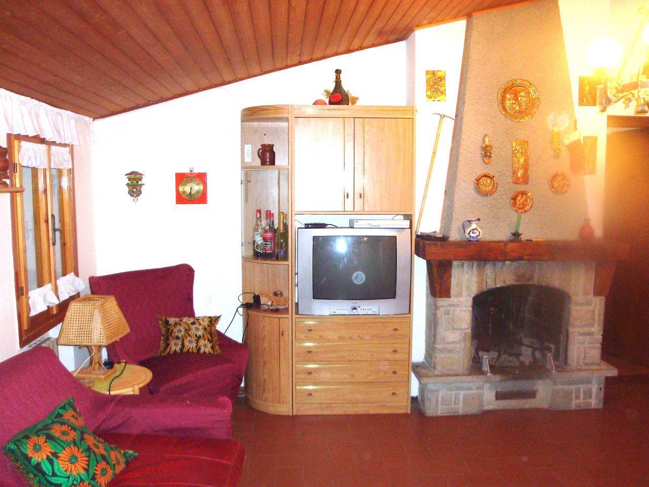 Appartamento in vendita a Sestola, 4 locali, prezzo € 150.000 | CambioCasa.it