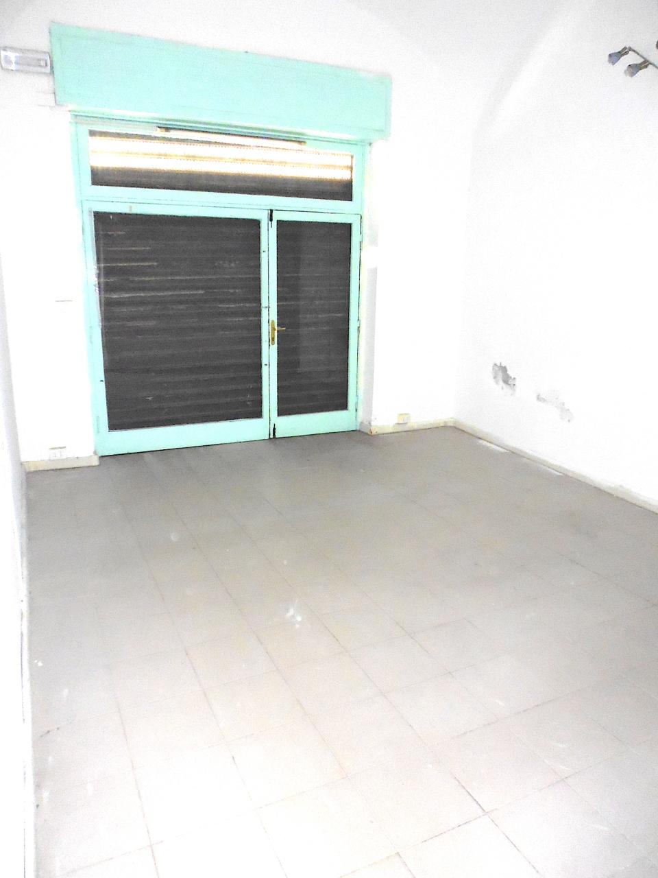 Negozio / Locale in affitto a Livorno, 1 locali, prezzo € 700 | CambioCasa.it