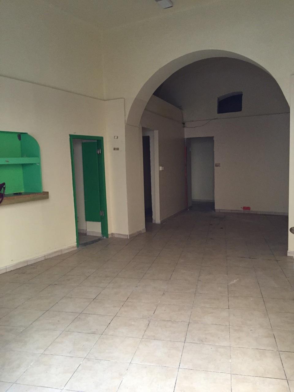 Negozio / Locale in affitto a Livorno, 4 locali, prezzo € 900 | CambioCasa.it