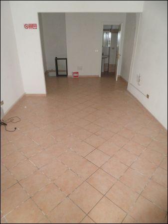 Negozio / Locale in affitto a Livorno, 2 locali, prezzo € 400 | Cambio Casa.it