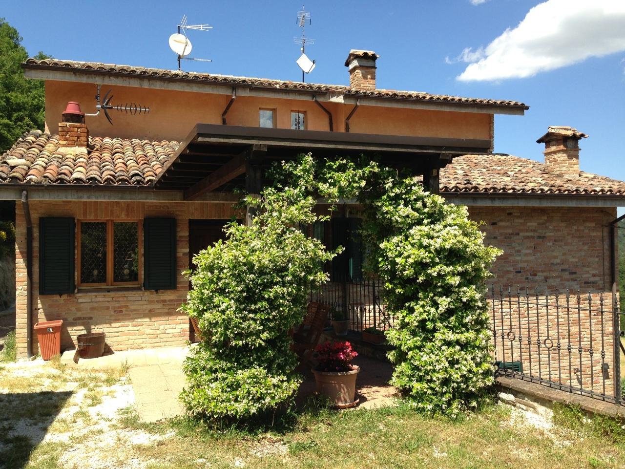 Casa Singola In Affitto Sarnano Centro Servizi Marche