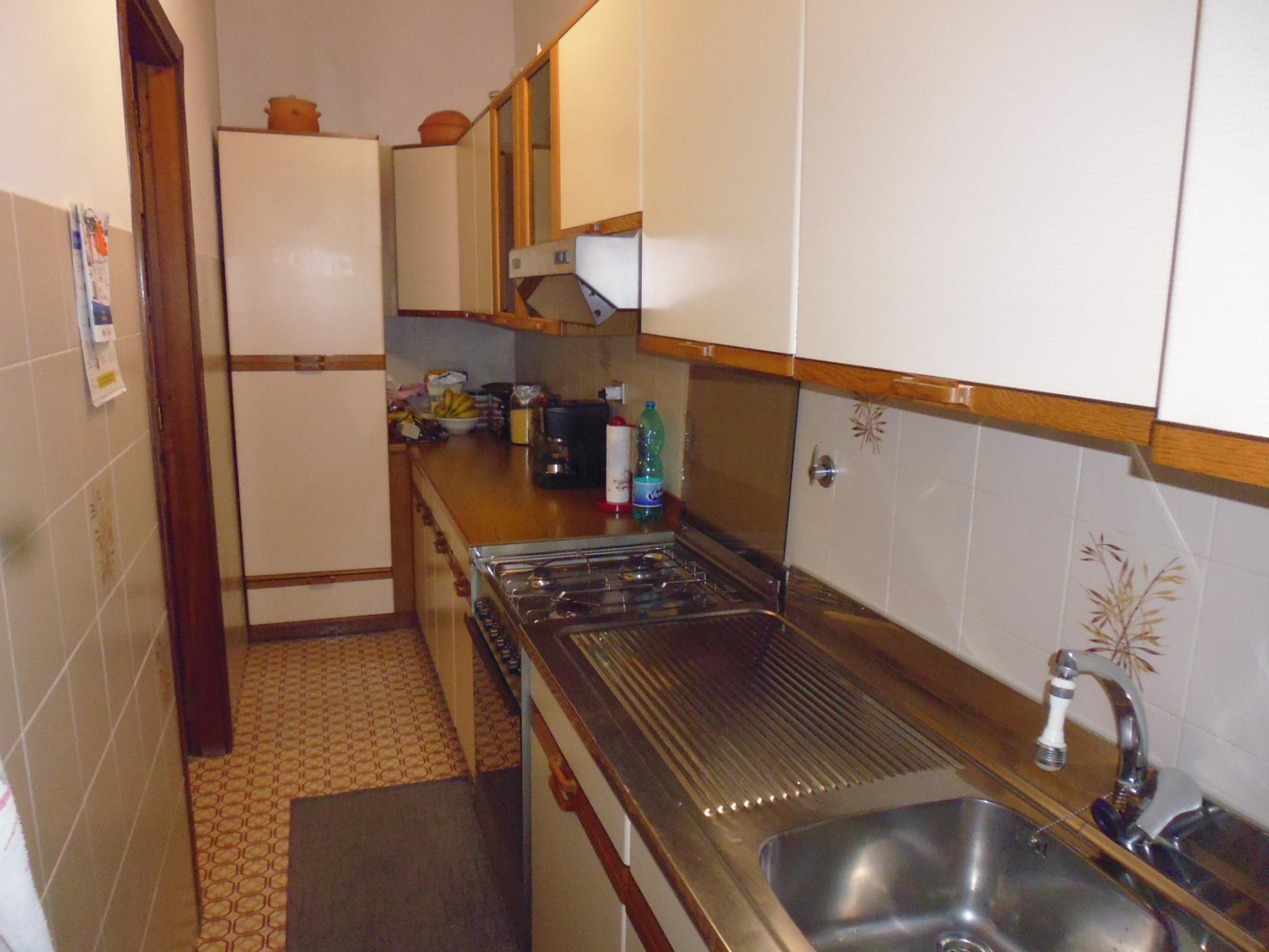 Appartamento in affitto chiavari immobiliare sestrese for Piani di casa con balcone al secondo piano