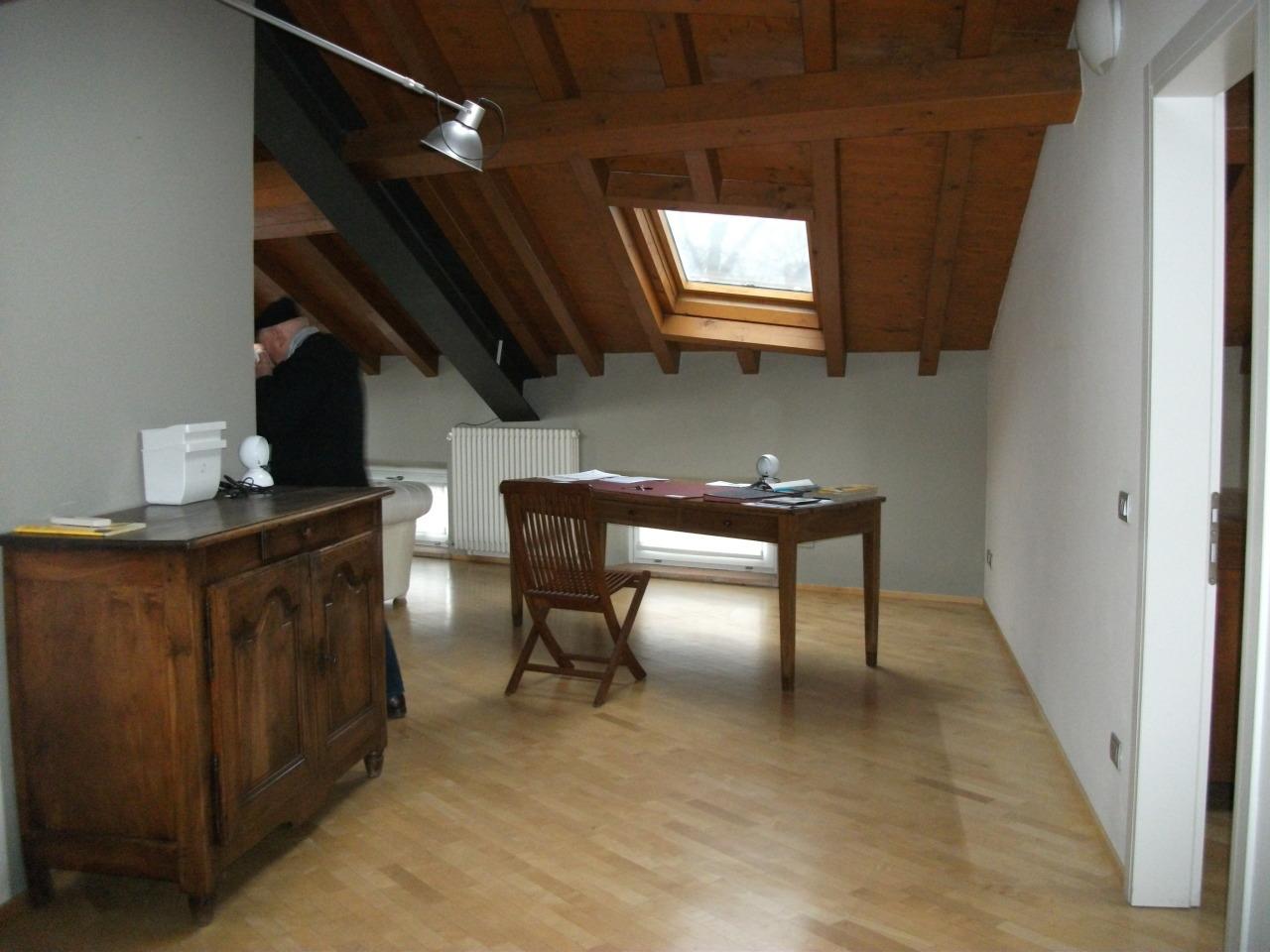 Trilocale 2 camere in affitto reggio nell 39 emilia reggio for Affitto appartamento arredato reggio emilia