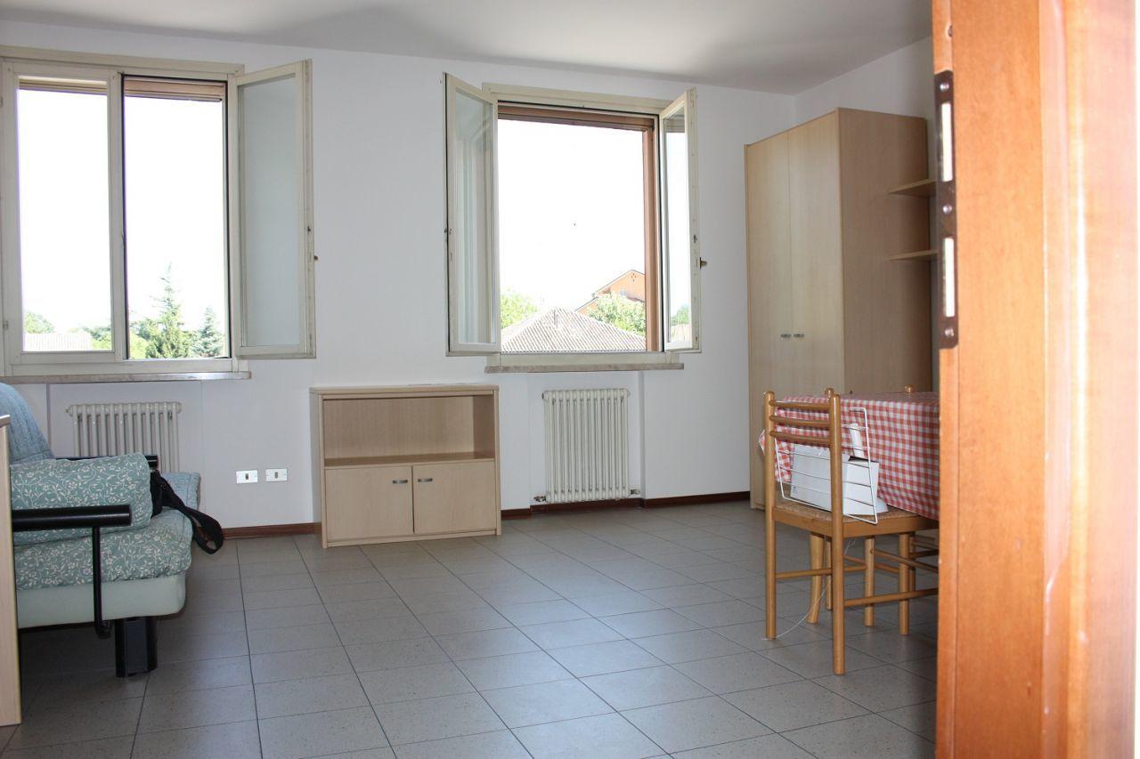 Monolocale 1 vano bagno in affitto reggio nell 39 emilia for Affitto appartamento arredato reggio emilia