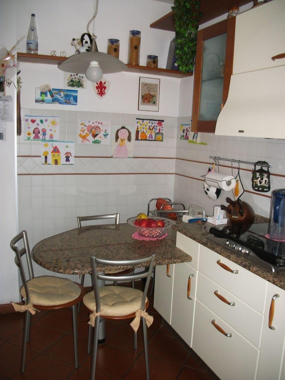 Appartamento quadrilocale in vendita a Carrara (MS)