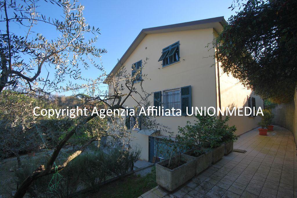 Case villa in vendita sarzana union media 79552 1 for Case in vendita sarzana