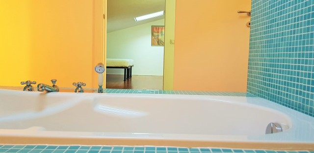 bagno mansarda con vasca idro