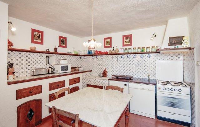 ill570_kitchen_01.jpg