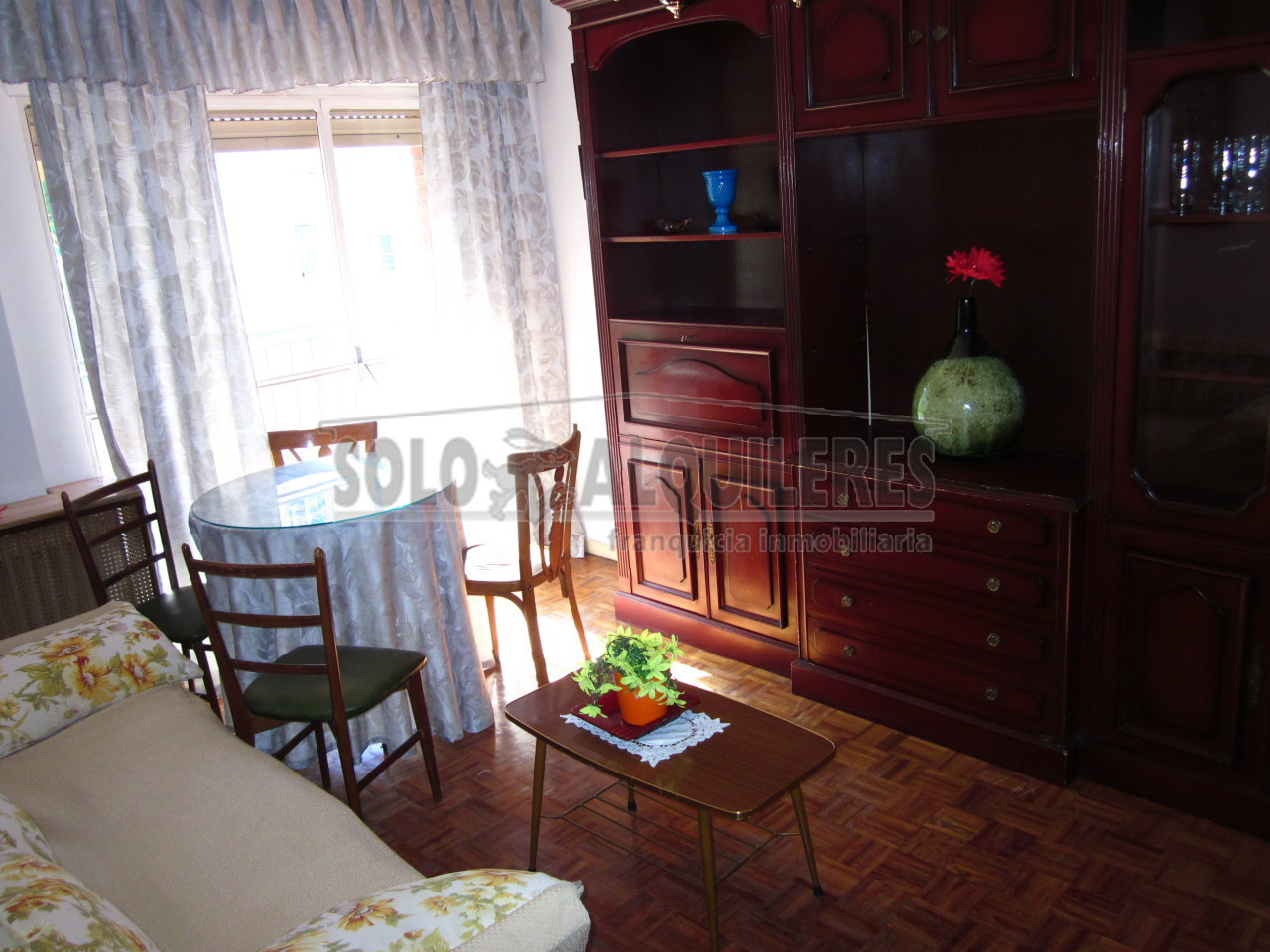 flat-for-rent-in-calle-berruguete-madrid