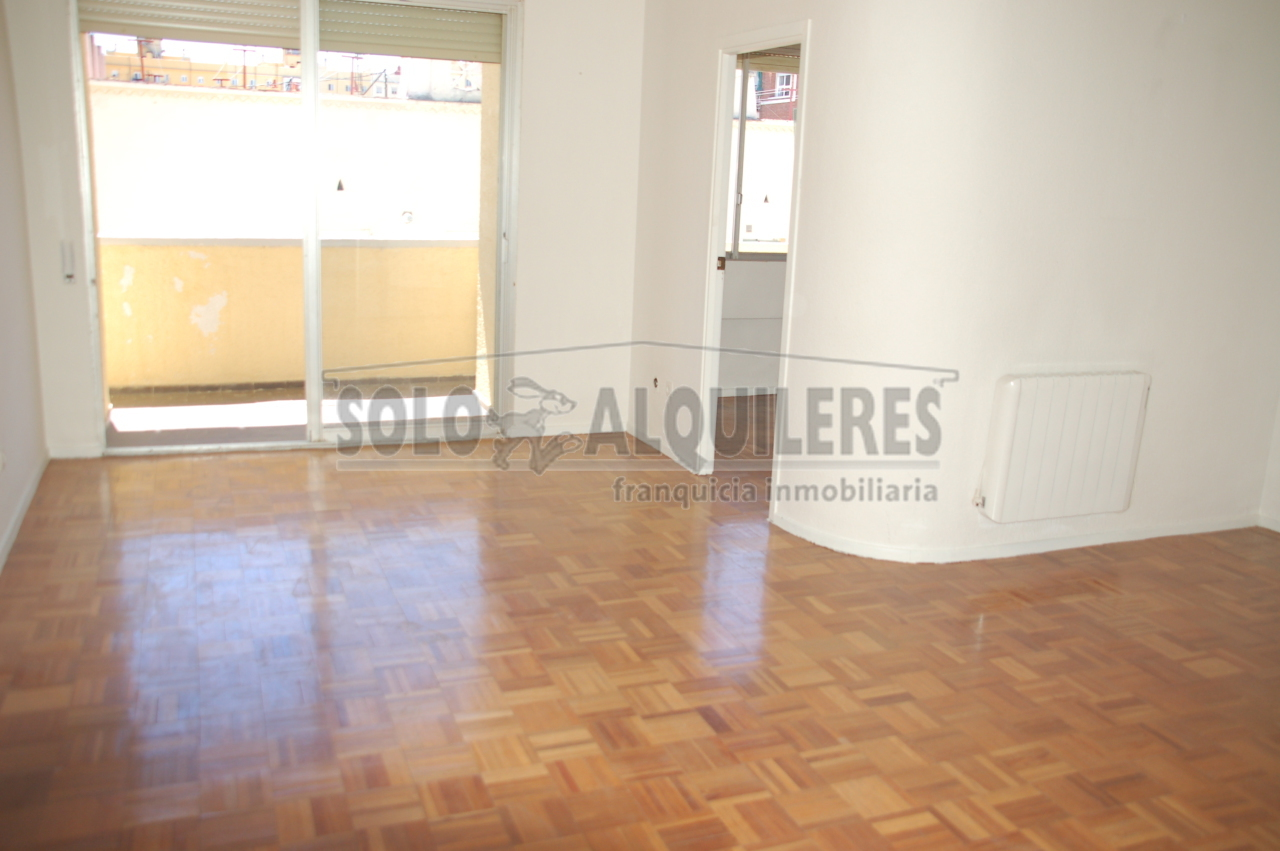flat-for-rent-in-calle-canillas-madrid
